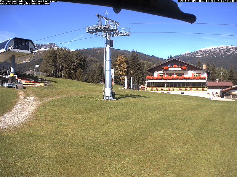 Der Parsenn-Lift befindet sich direkt in der Ortschaft Hirschegg.