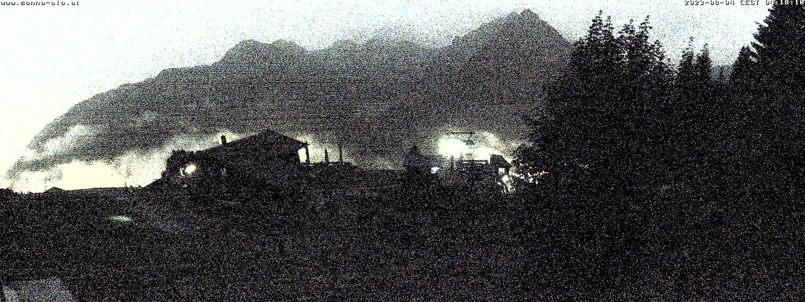 Blicken Sie über das Tal Wandergebiet Zaferna und den Zafernalift.