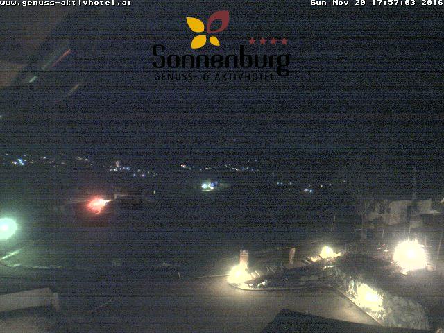Werfen Sie einen Blick durch die Webcam des Hotel Sonnenburg in Riezlern.
